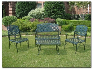 4-Piece Diamond Lattice Settee Group